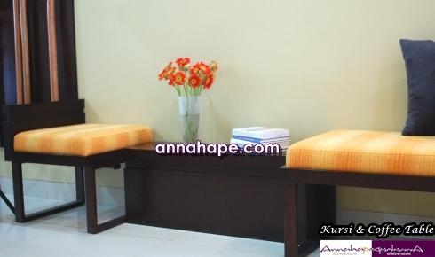 Kursi Tamu dan Coffee Tabel di Foyer